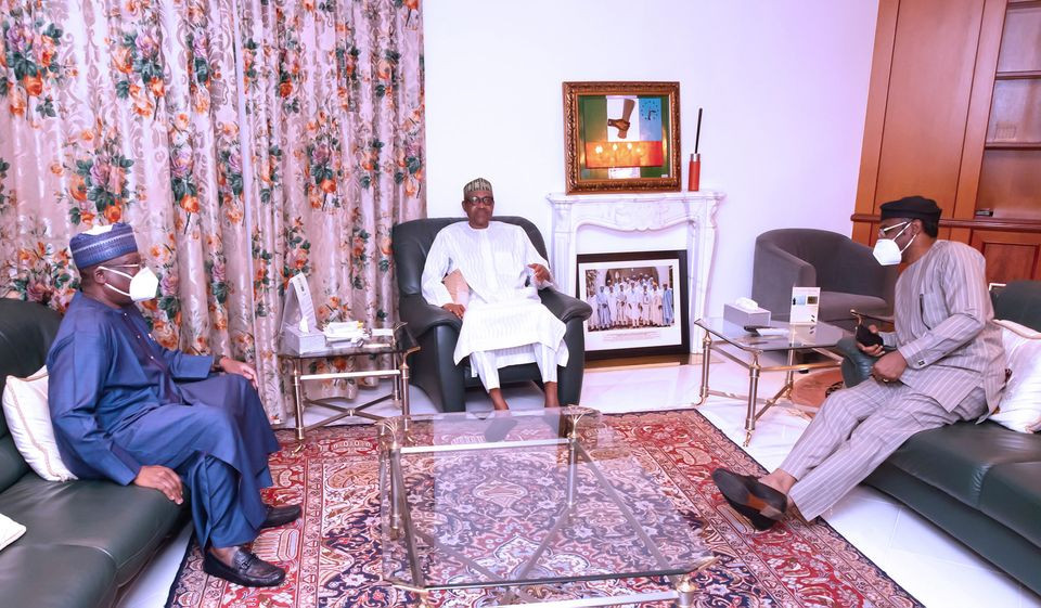 President Buhari meets with National Assembly leaders over lingering #EndSARS protests