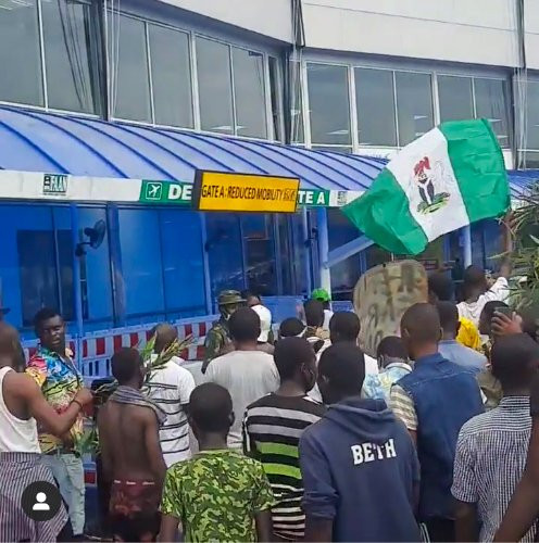 #EndSARS: Protesters storm Lagos airport (photos)