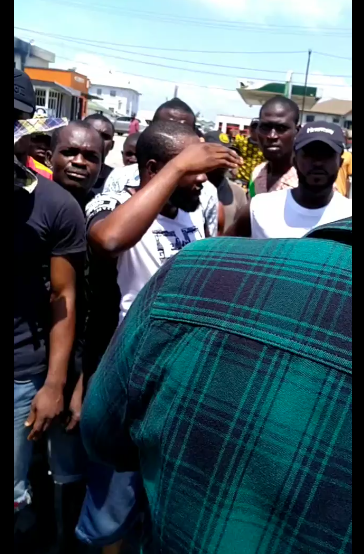 You will have to kill me first - Filmmaker, Ideh Chukwuma says as he stops a mob from destroying properties in Lagos (video)
