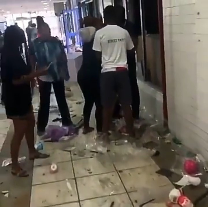 Shop owners in tears as they inspect the damage hoodlums did to their stores at the Surulere shopping mall (video)