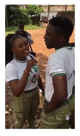 Corps member pranks girlfriend before proposing to her (video)