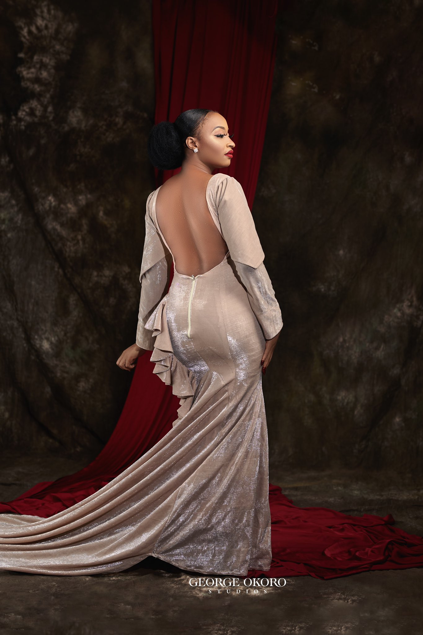 Arewa Twitter users blasts actress Rahma Sadau over her backless dress