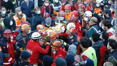 3 year old girl rescued alive after 65 hours trapped under rubble in Turkey earthquake (Photos)