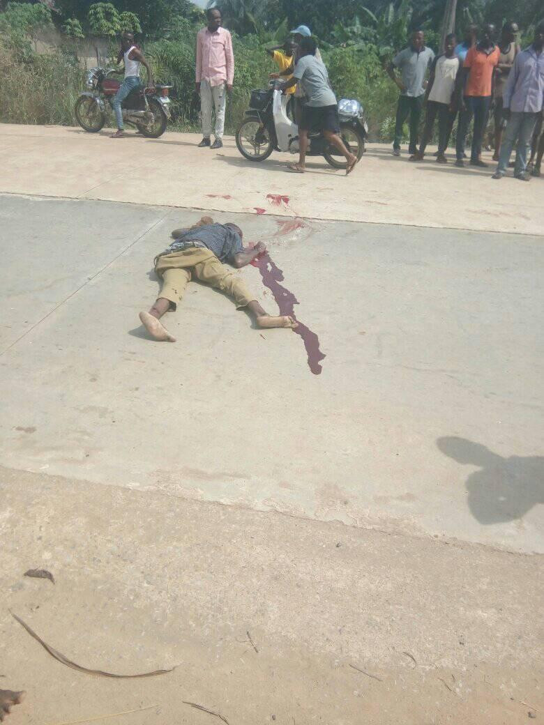 Angry youths lynch truck driver and conductor for crushing five school children to death in Ebonyi (graphic photos)