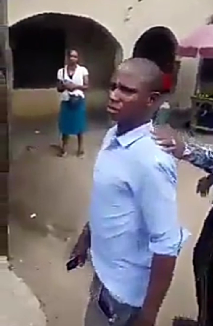 Crowd accuses woman of stealing and returning a man