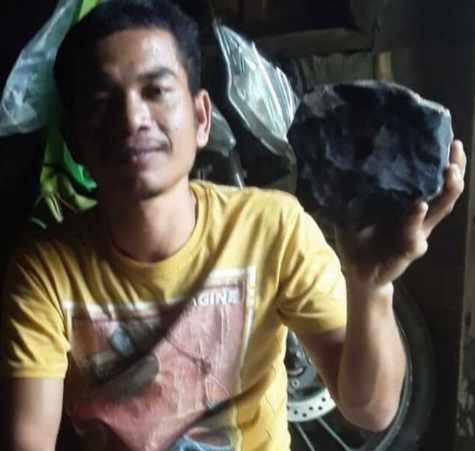 Man becomes instant millionaire after meteor worth more than ?1.4m crashes into his roof