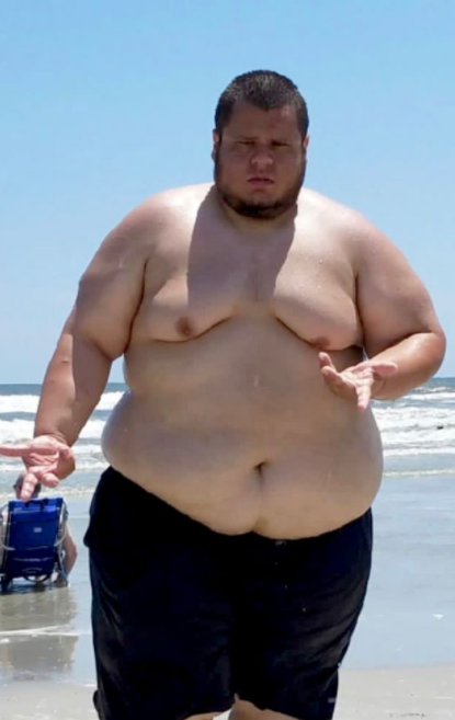 Obese man looks totally different after losing 20 stone naturally