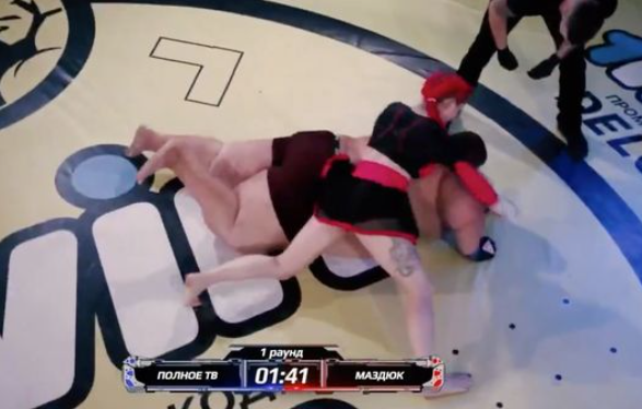 Lightweight woman knocks out 529-pound man to win inter-gender