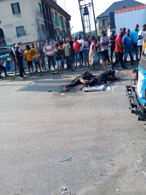 Angry mob sets three suspected robbers ablaze in Delta (graphic photos)