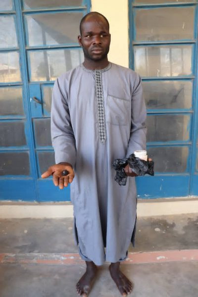 Two men who allegedly removed dead man?s eyeball for rituals arrested in Niger state (photos)