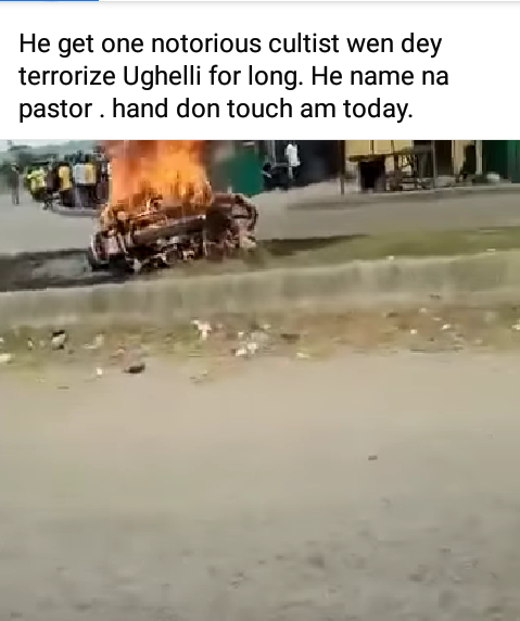 """Dreaded cultist """"Pastor"""" set ablaze by angry mob in Delta"""