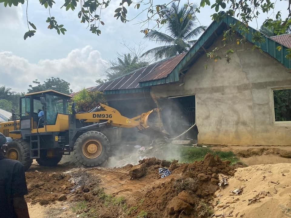 Cross River State Govt demolishes homes of alleged kidnappers