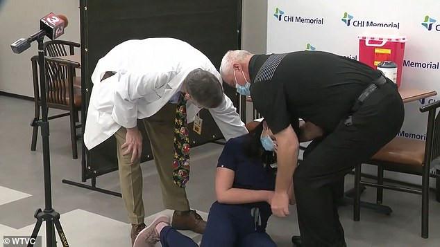 US Nurse faints live on TV minutes after getting Pfizer