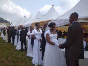 Nigeria: Incroyable, 200 couples se marient lors d'une cérémonie de mariage de masse-Photos