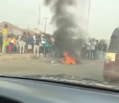 Mob sets suspected kidnapper ablaze in Ibadan for allegedly attempting to abduct a 4-year-old boy