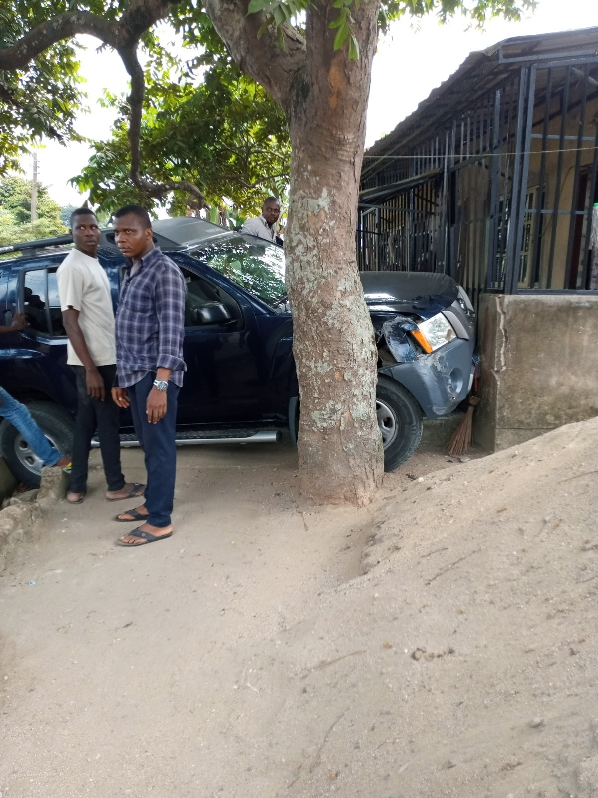 Nigerian lady thanks God for saving her father from being hit by a learner driver