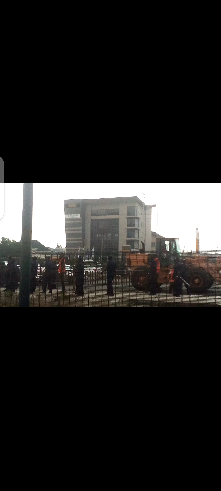 Chaos in Lekki as Okada riders and Environmental Task Force officials clash (Videos)