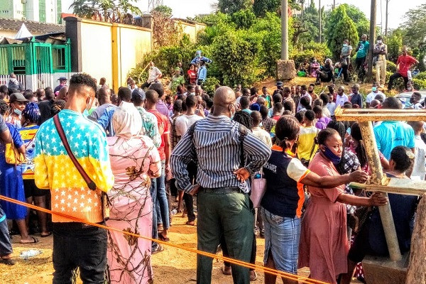 Check out the crowd at the NIN enrolment office, Ikeja this morning (photos)