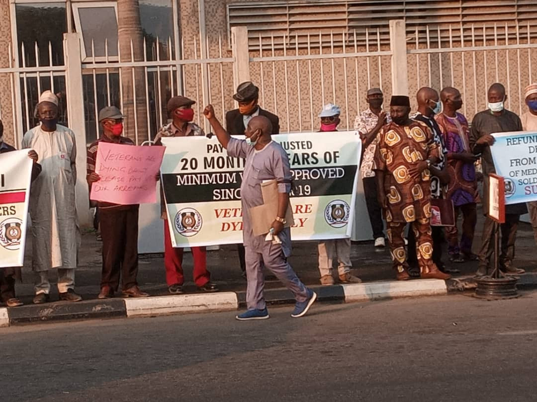 Retired soldiers protest in Abuja lindaikejisblog 2