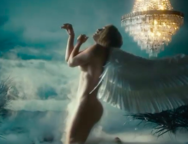 Jennifer Lopez strips completely as she dances in forest in new video