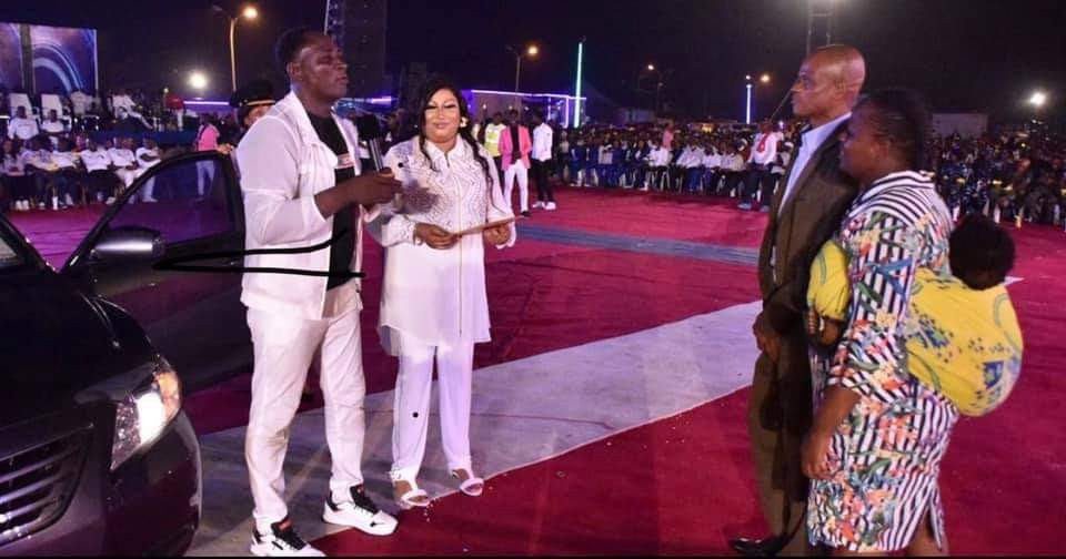 Prophet Fufeyin Gifts his old time pastor Friend from MFM a Car, 200k to change his wardrobe and one million naira for monthly stipends