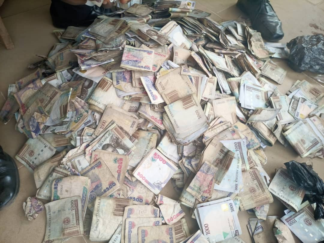 Police raid notorious hideout in Abeokuta, recover N2.2m cash, illicit drugs worth over N10m