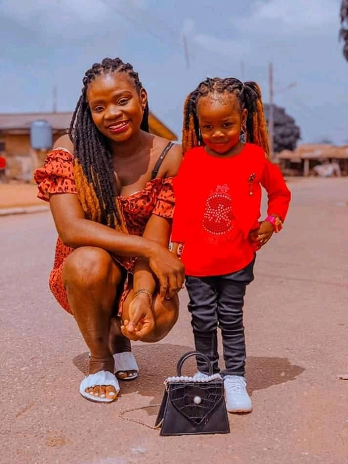 """""""You both were the light of my life"""" - Nigerian man mourns his wife and 2-year-old daughter killed in motor accident"""
