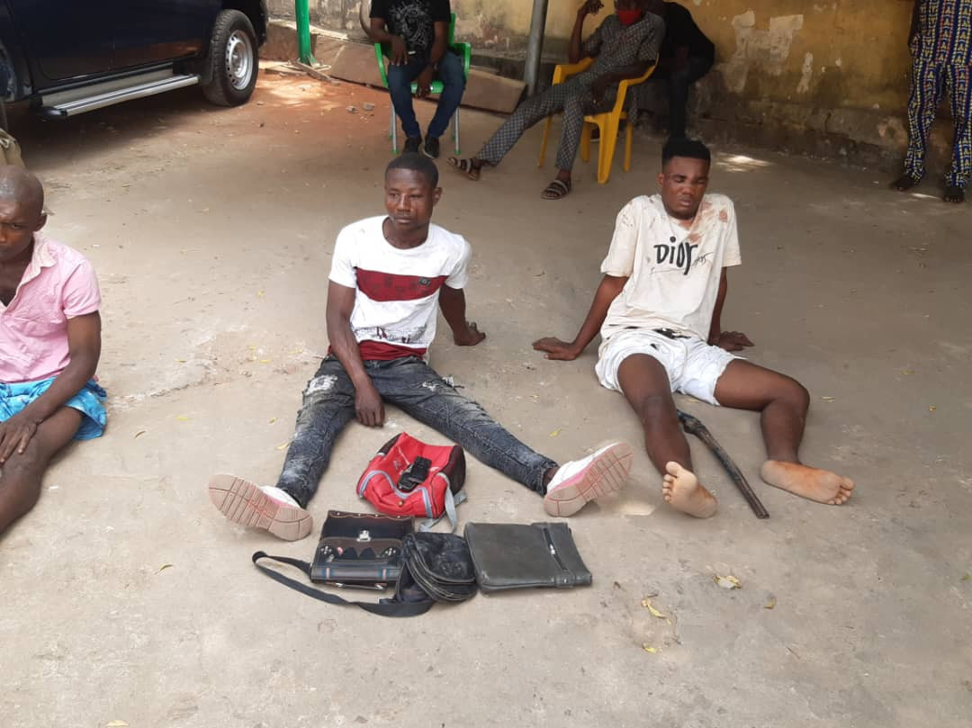 Suspected armed robbers apprehended in Anambra (photos)