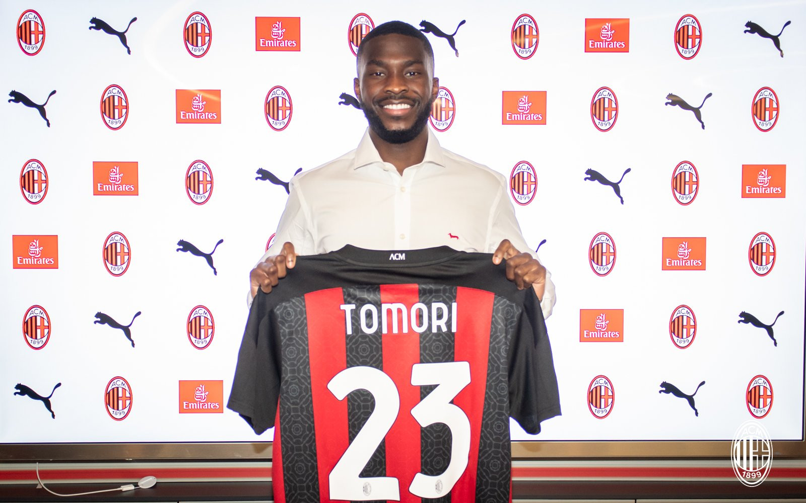 ?Fikayo Tomori joins AC Milan on loan from Chelsea (photos)