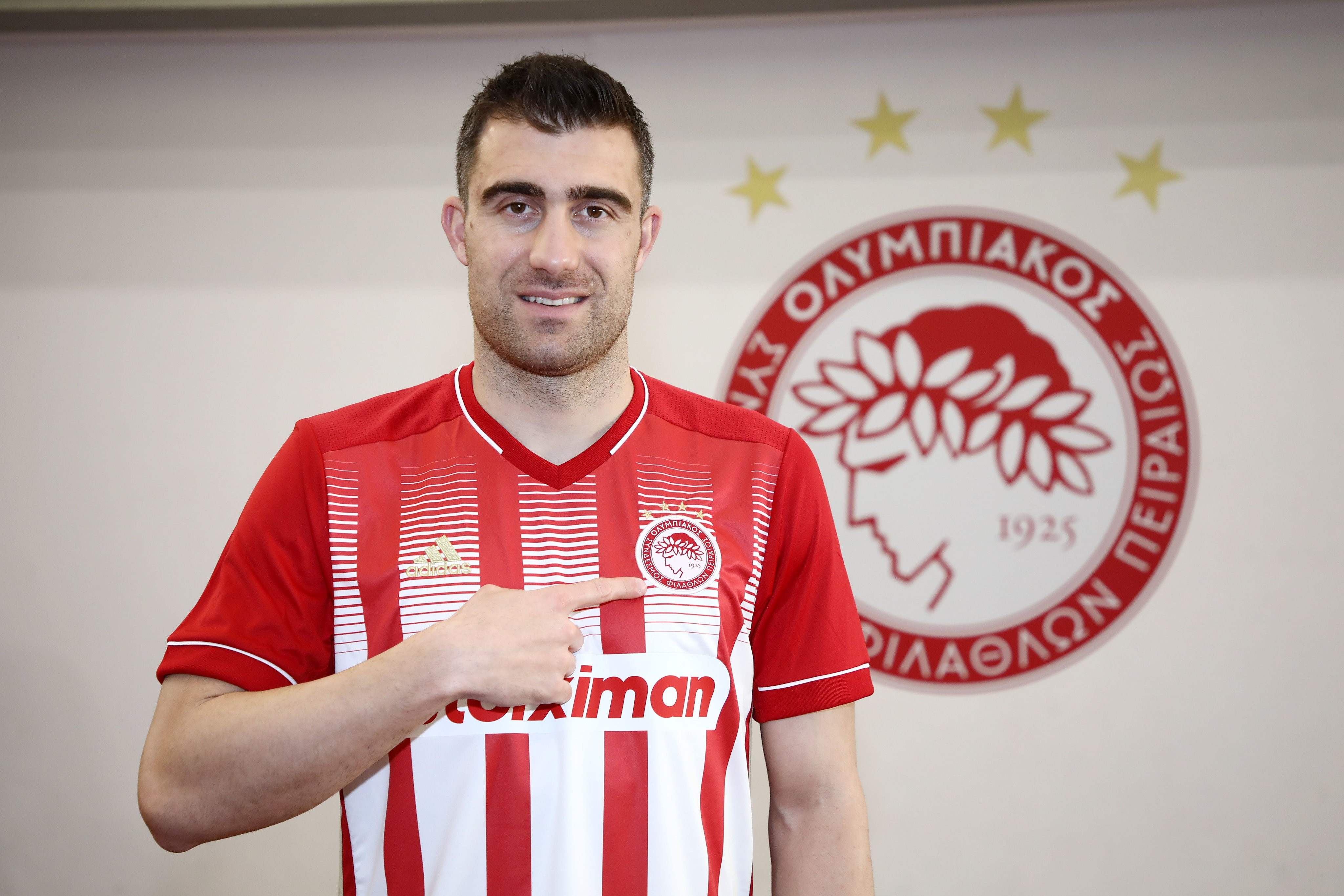 Ex-Arsenal defender, Sokratis Papastathopoulos joins Olympiacos on free transfer after Gunners contract was terminated (photos)