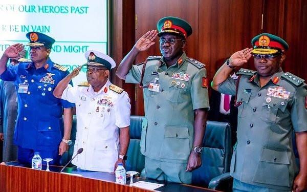 Buhari sacks Service chiefs, announces replacements