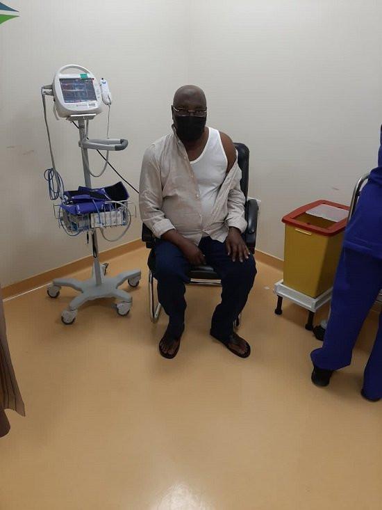 Atiku takes second dose of COVID19 vaccine (photos)