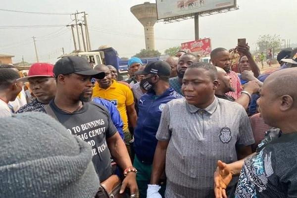 Activist Sunday Igboho arrives Ogun state, declares war on killer herdsmen (photos)