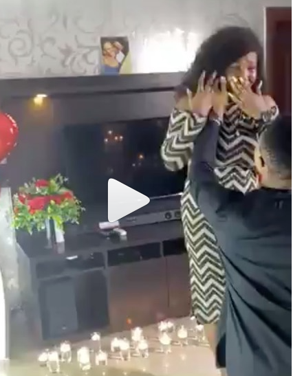 Lady cries continuously as boyfriend proposes to her (video)