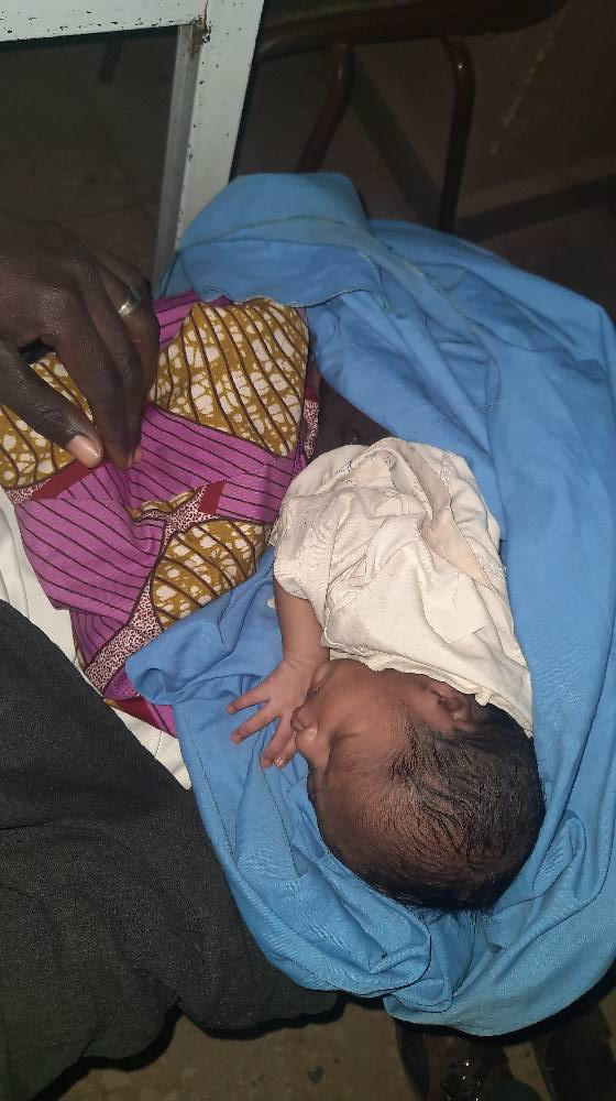 "Mother dumps her newborn baby in Katsina with a note saying ""she was impregnated and abandoned by a man who promised to marry her"""