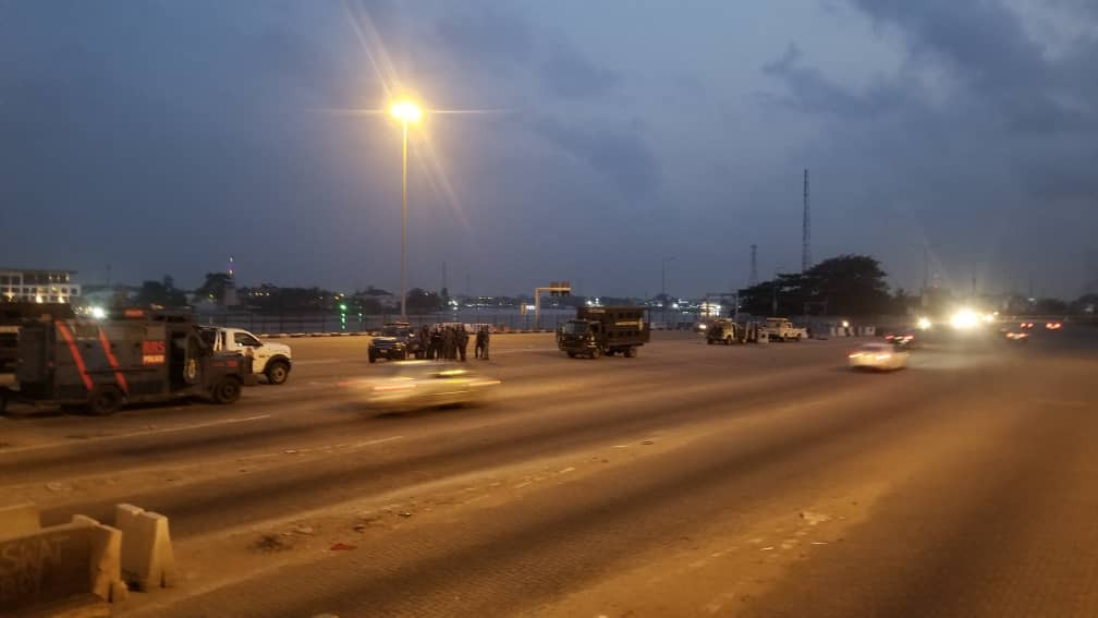 #Occupylekkitollgate: Photos from Lekki toll gate this morning