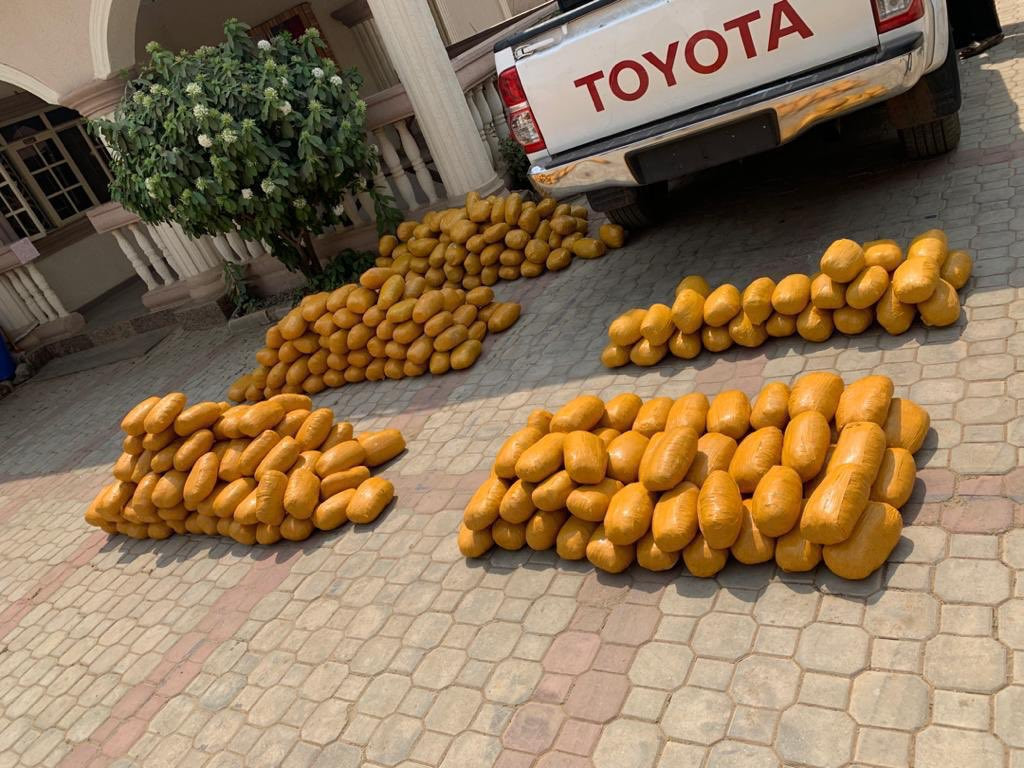 NDLEA intercepts suspected fake military officers with 234kg illicit drugs (photos)