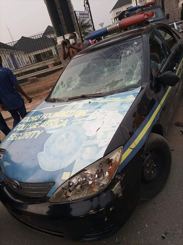 Many Injured And Cars Destroyed As Senator Okorocha And Governor Uzodinma Supporters Clash In Imo State