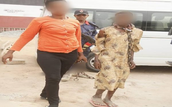 Woman arrested for chaining her mentally challenged daughter in Abia (photo)