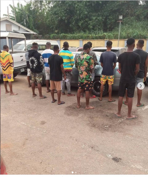 ?11 suspected internet fraudsters arrested in Auchi (photos)