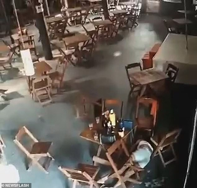Oh! Jealous wife kills a younger woman sitting next to her husband in a bar (video)