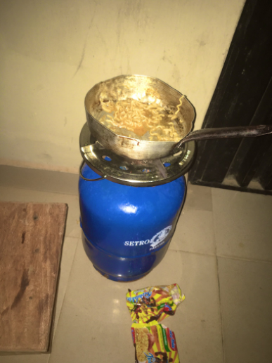 Student shocked after the noodles she was cooking in her hostel was stolen from the burner