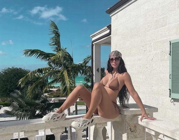 Kim Kardashian continues to promote Kanye West