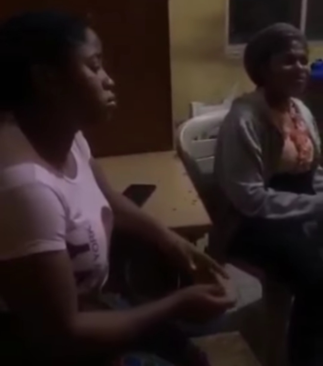 """""""Be careful with whom you employ"""" Entrepreneur warns as she discovers two sisters she employed have been transferring money from her account and deleting the alert (video)"""