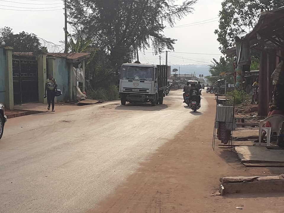 Man calls out Delta local govt council over a truck that has been in the middle of road for two weeks