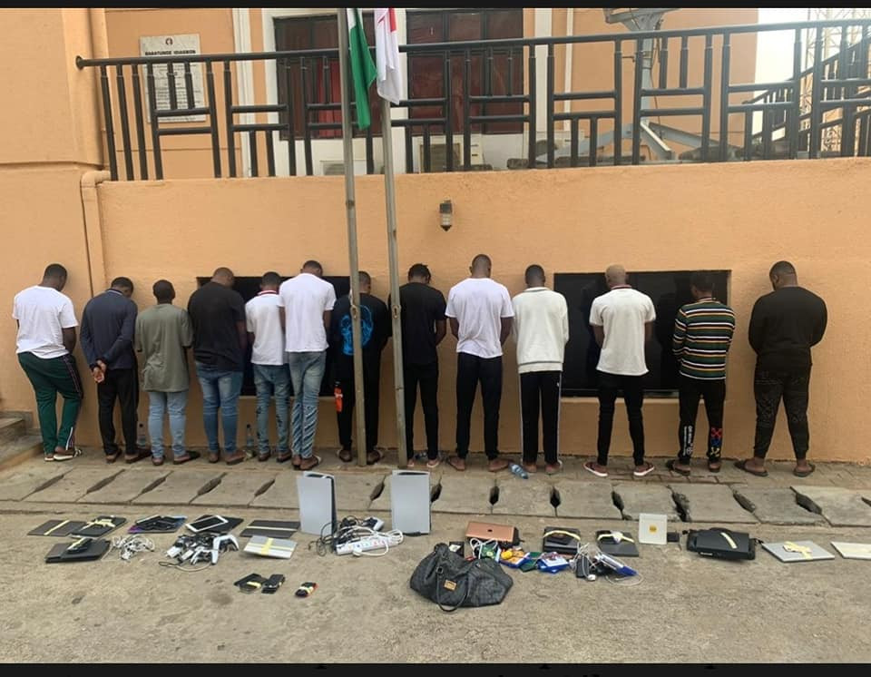 13 suspected internet fraudsters arrested in Abuja