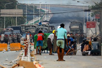 Myanmar Protests: At Least 21 Protesters Are killed By Military In Bloody Crackdown As Politicians Removed By Coup Call For Revolution {Photos/Videos}