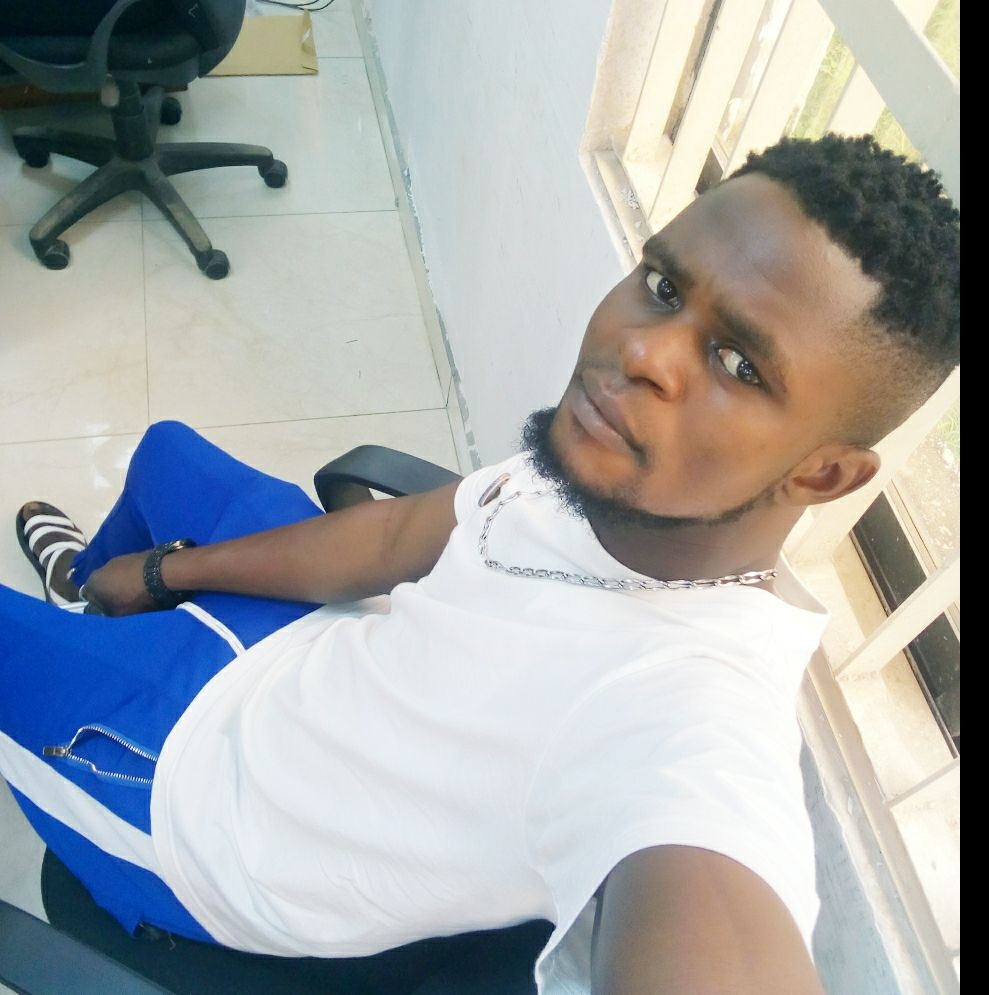 Young Nigerian man allegedly slumps, dies while taking his bath
