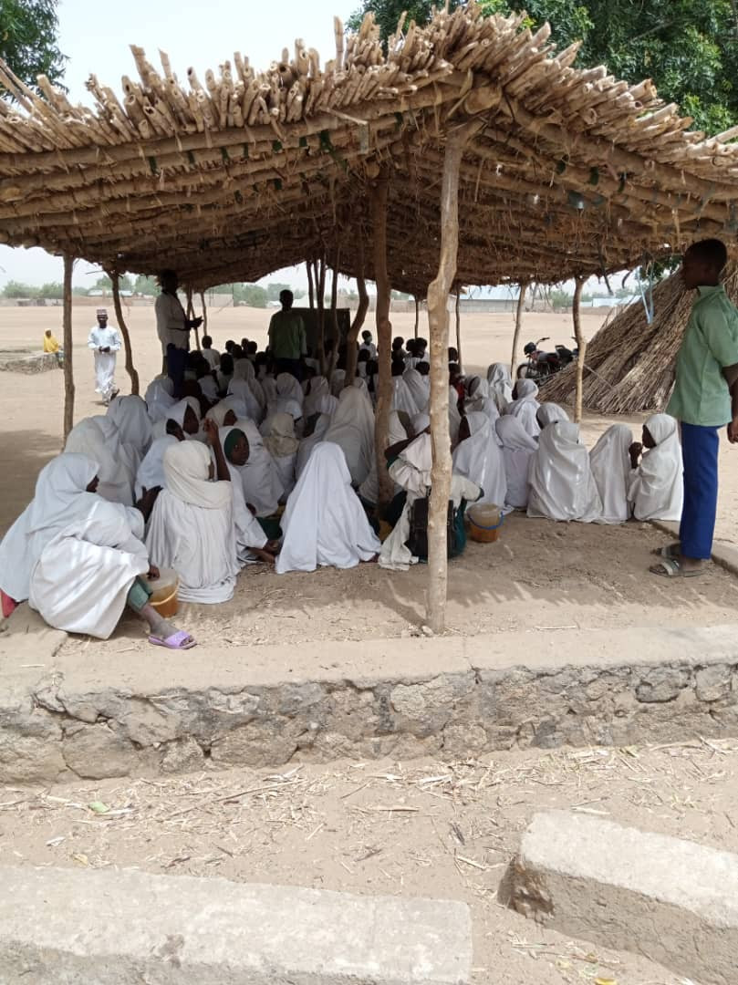 Photos of a primary school in Katsina state where pupils sit on the floor to learn (photos)