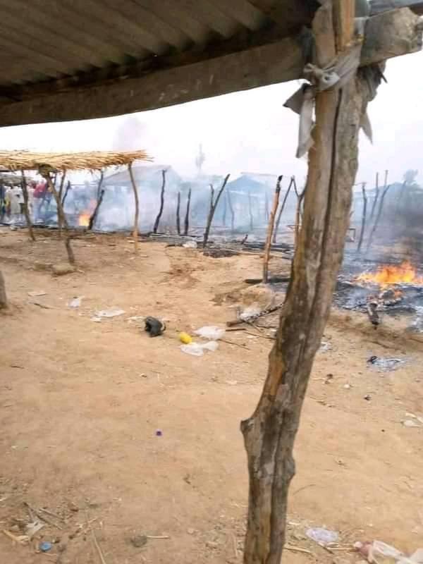 Armed bandit invade Zamfara market, kill one, raze stalls